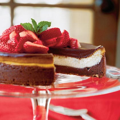 """Each layer of this sweet, rich cheesecake brings out new flavors for your taste buds to enjoy. """"Leftovers"""" area foreign word at this dinner table.Recipe:Chocolate Fudge Cheesecake"""