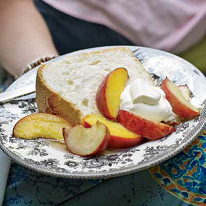 Great-Grandmother Pearl's Angel Food Cake with Peaches Recipe