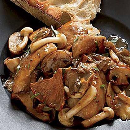 Chicken, Wild Mushroom and Roasted-Garlic Sauté Recipe