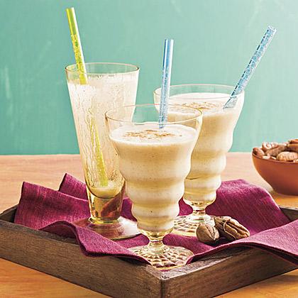 Banana-Pecan Smoothies Recipe
