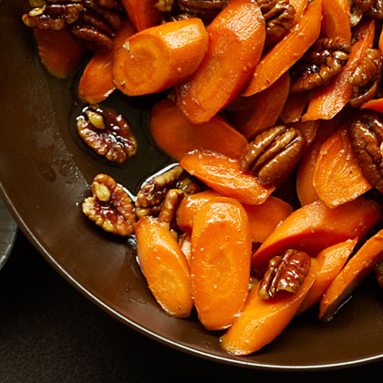 Make the most of the natural sweetness of carrots by cooking them in a skillet with brown sugar and minced fresh ginger, and add just the right crunch with toasted pecan halves.Glazed Carrots with Pecans Recipe