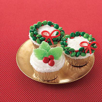 Holly-Jolly Cupcakes