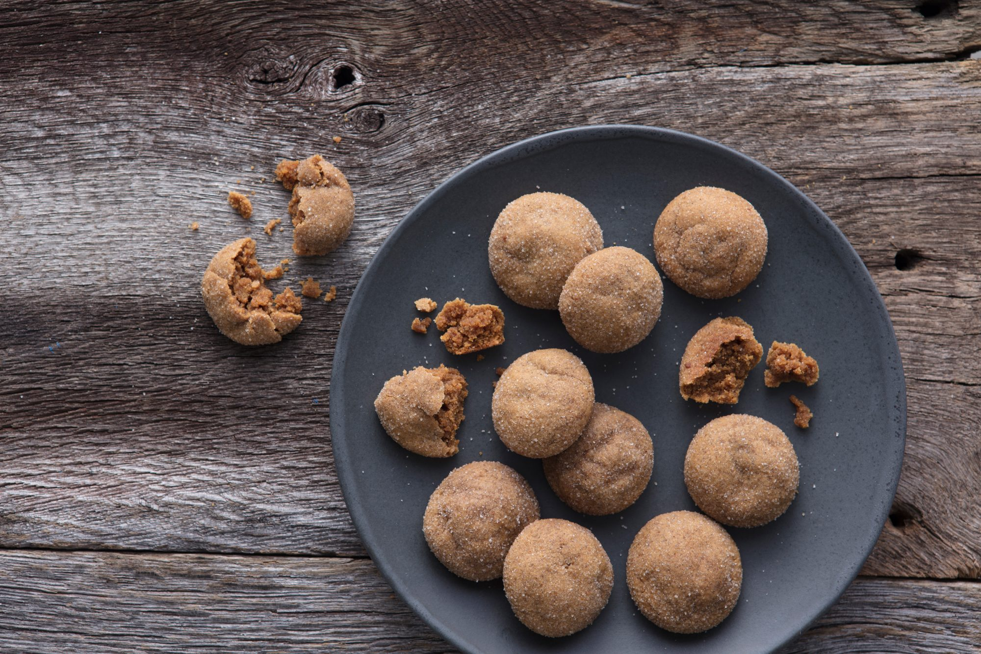 Sugar- and Spice-dusted Ginger Chew Cookies