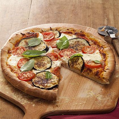 eggplant-tomato-pizza