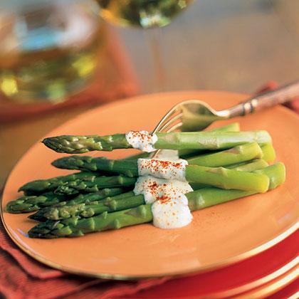 Asparagus Spears with Garlic Aïoli