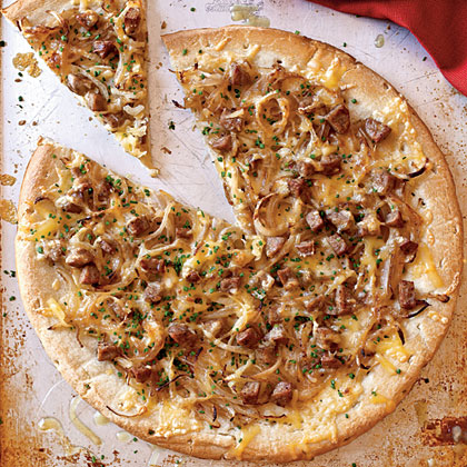 Chicken Sausage, Sweet Onion, and Fennel PizzaRecipe