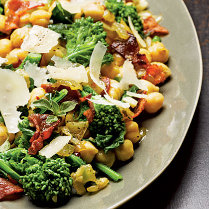 Chickpeas with Broccoli Rabe and BaconRecipe