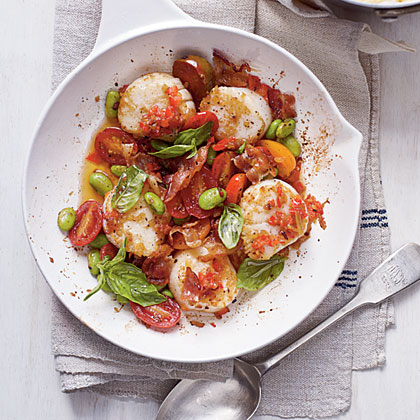 Scallop Skillet with Bacon, Edamame, Basil, and Creamy GritsRecipe