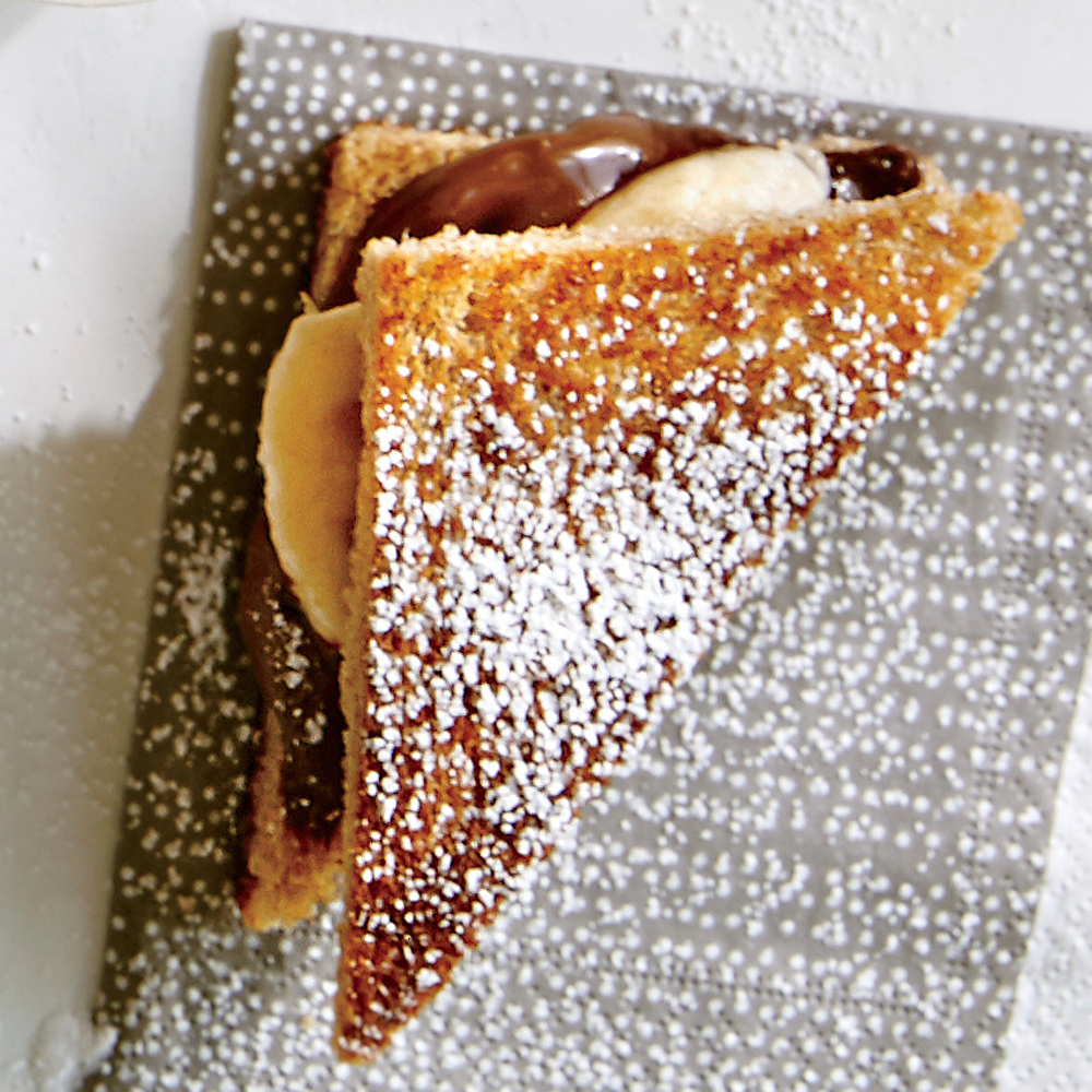 Chocolate-Hazelnut-Banana Finger Sandwiches