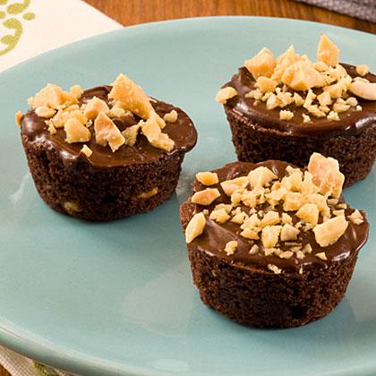 Peanut Brittle Brownie Bites