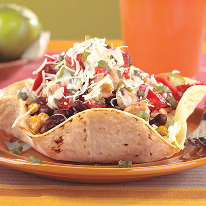 Chicken And Black Bean Taco Salad With Chipotle Dressing