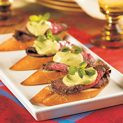 Steak Crostini with Avocado-Horseradish Mayonnaise Recipe | MyRecipes