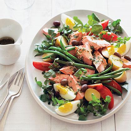 Poached Salmon Niçoise Recipe