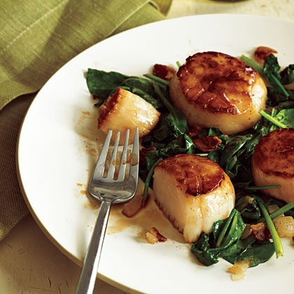 Pan-Seared Scallops with Bacon and Spinach Recipe | MyRecipes