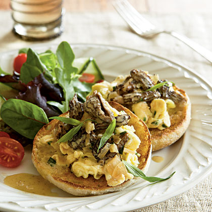 Scrambled Eggs with Morel and Tarragon Cream Sauce