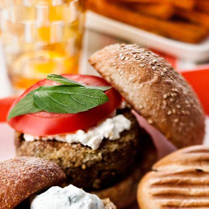 caramelized-onion-veggie-burger