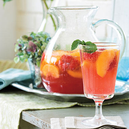 <p>Carolina Peach Sangria</p>