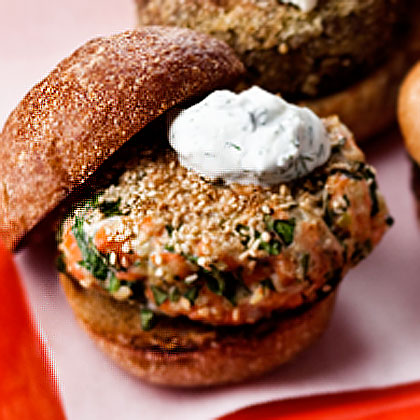 sesame-seed-crusted-salmon-burger-yogurt-sauce