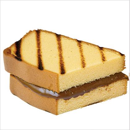 Grilled Chocolate-Hazelnut-Pound Cake Sandwiches