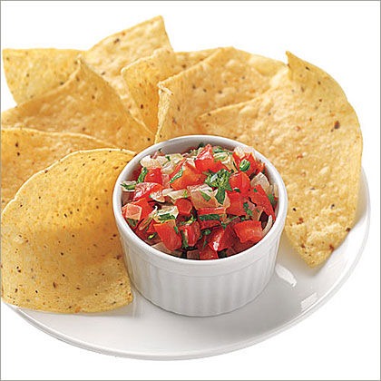 Homemade Tomato Salsa with ChipsRecipe