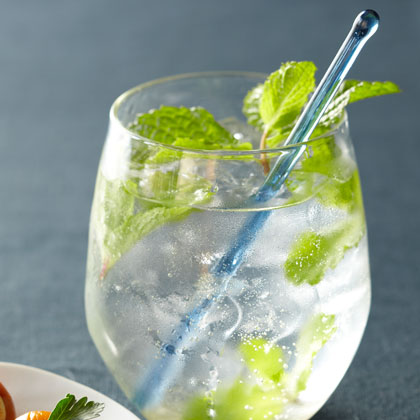 <p>Minted Gin Froths</p>