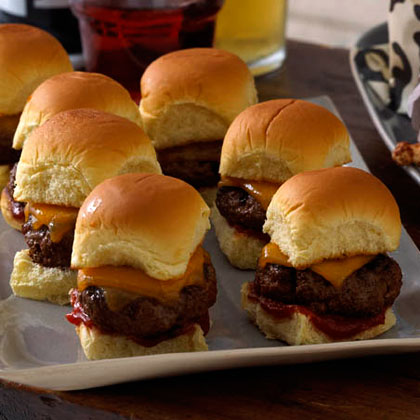 <p>Amazing Cheddar Sliders</p>