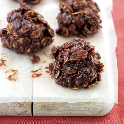 <p>Dark Chocolate and Oat Clusters</p>