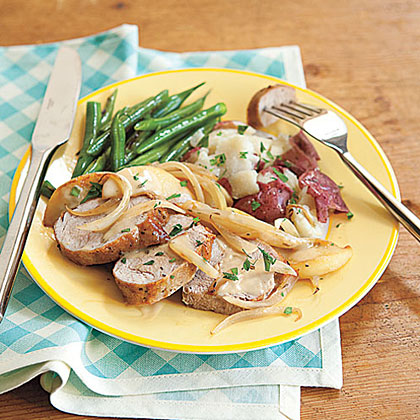 Pork Tenderloin with Apples and Onion