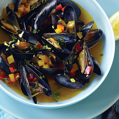 Saffron Steamed Mussels Recipe