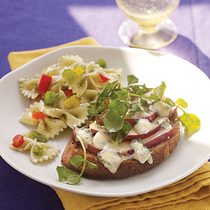 Blue Cheese and Pear Sandwiches Recipe