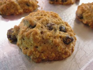 Irresistible Oatmeal Raisin Cookies