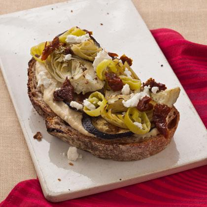 <p>Hummus and Artichoke Sandwich</p>