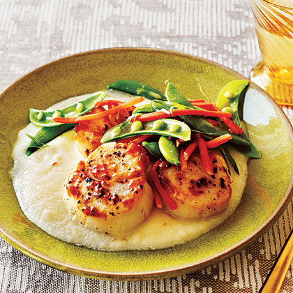 <p>Seared Scallops with Cauliflower Purée</p>