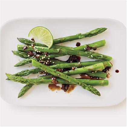 Sesame-Ginger Glazed Asparagus