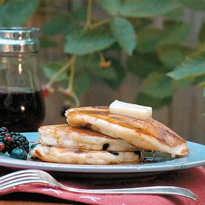 Easy Berry Pancakes Recipe