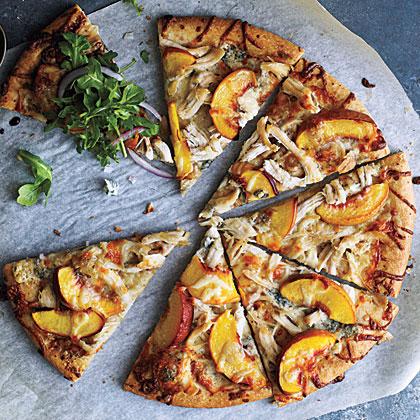 <p>Peach and Gorgonzola Chicken Pizza</p>