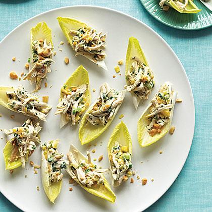 Mango Chicken Boats with Macadamia Nuts Recipe