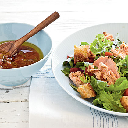 Grilled Salmon Salad with Salsa Dressing