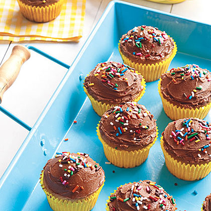 Banana Cupcakes with Chocolate Frosting