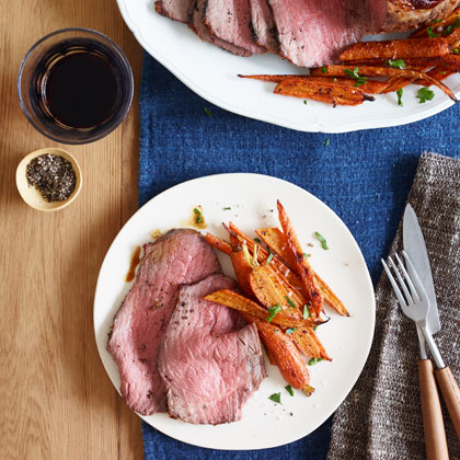<p>Roast Beef With Balsamic Glazed Carrots</p>