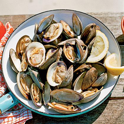 grilled clams grilling clams remove clams from water with a grilled ...