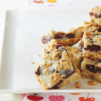 Cherry-Oatmeal Bars Recipe