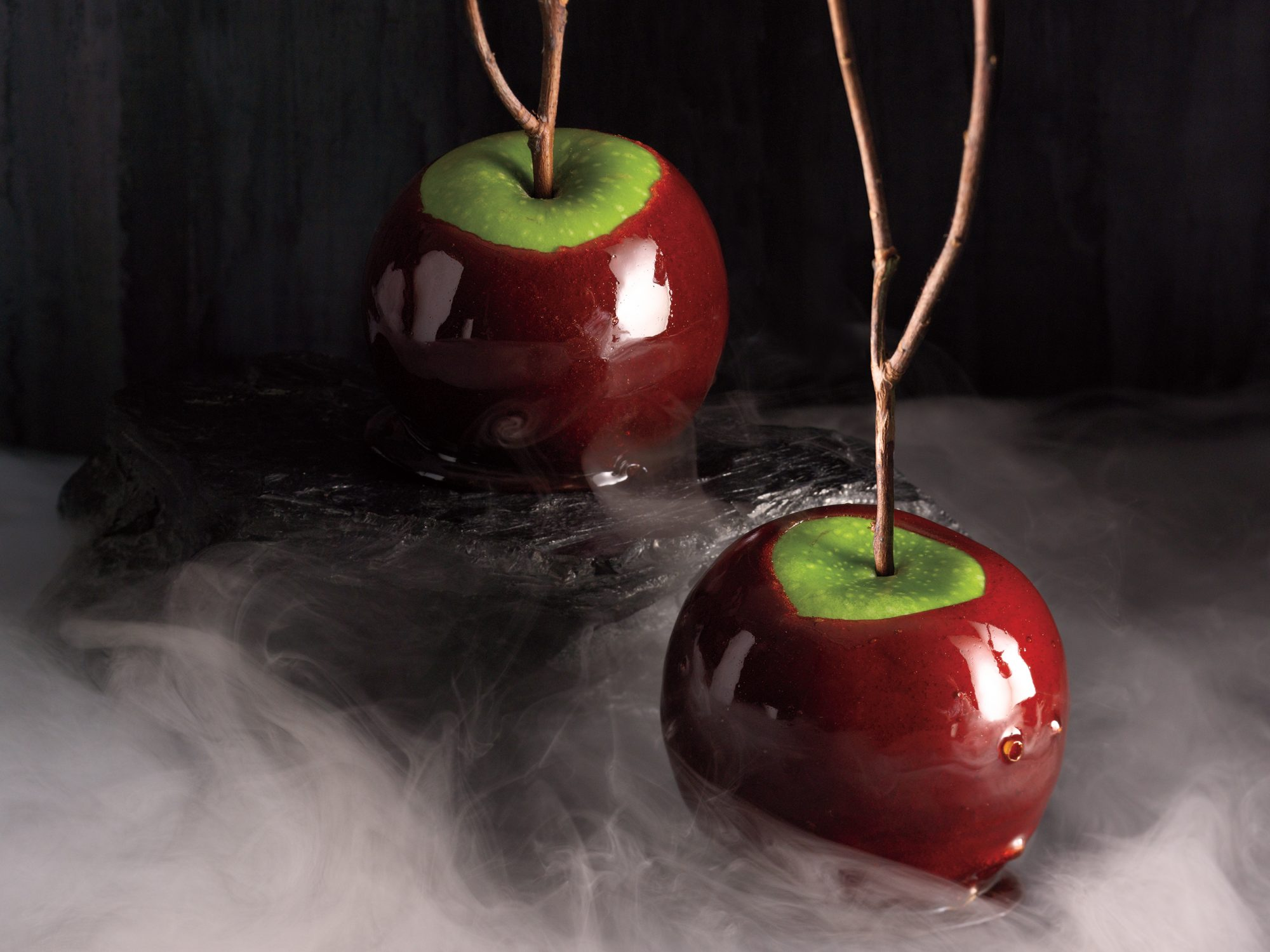 <p>Cinnamon-Cider Candied Apples</p>