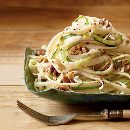 Fettuccine with Zucchini and Pecans