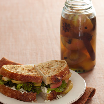 <p>Spiced Pickled Apples</p>