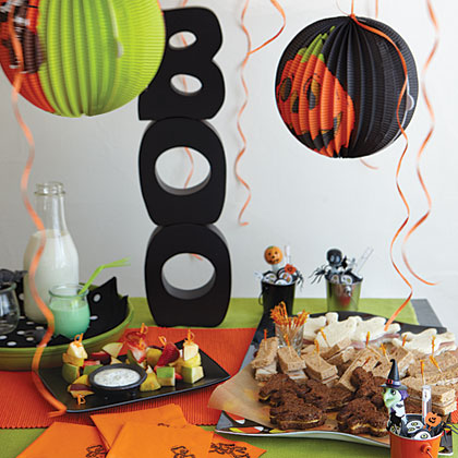Scary School Party MenuGo wild this Halloween and host the best party of the school year. Healthy foods go in disguise in this child-pleasing menu. Turn off the classroom lights and read an old ghost story or some Halloween history to keep them entertained... and eating.