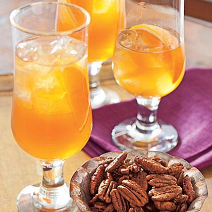 Spiced-Apple Iced Tea