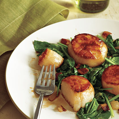 Pan-Seared Scallops with Bacon and Spinach Recipe