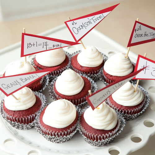 Crimson Tide Cupcakes RecipeScore an extra timeout for yourself and order cupcakes ahead from your favorite bakery. Hand crafted pennants with cheer worthy sayings are just as effective at icing the competition.