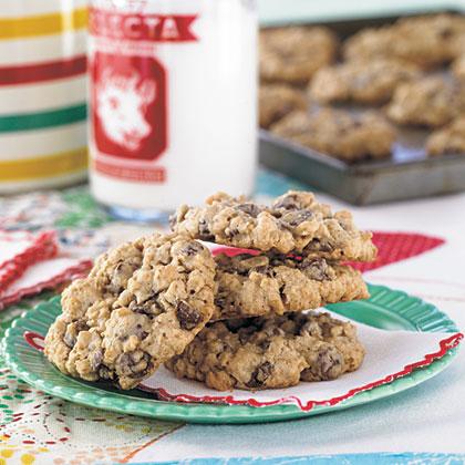 Chocolate Chip-Oatmeal Cookies Recipe